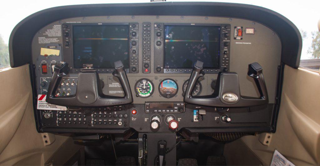 N16894 Advantage Aviation